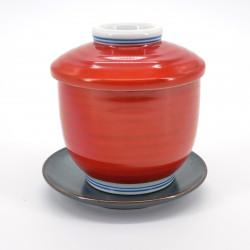 tasse avec couvercle rouge
