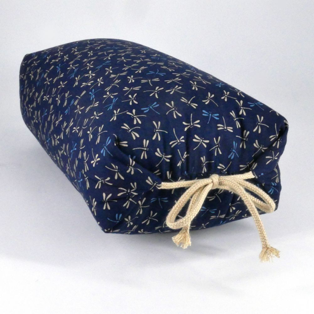 blue Japanese buckwheat pillow tombo patterns
