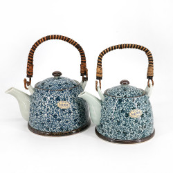 Porcelain teapot with blue flower patterns - KOZOME TSURU KARAKUSA, 1.5L / 0.9L of your choice