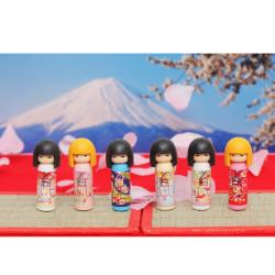 Japanischer Radiergummi, KOKESHI IWAKO, zufällige Farbe
