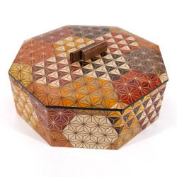 octagonal box in traditional Yosegi marquetry by Hakone KIKKOU